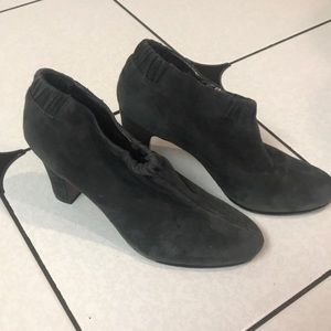 Sam Edelman gray suede shoe boots w heels